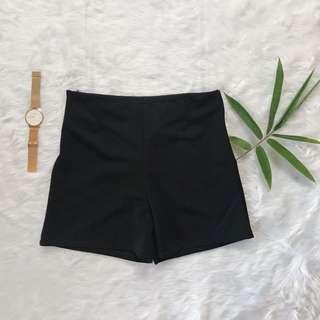 Free SF Highwaist black shorts