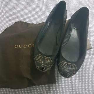 Gucci ballet flats size 38