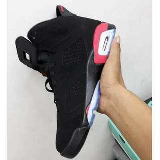 NIKE - Air Jordan 6