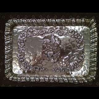 UK Antique 1912 Victorian English Sterling Silver Dressing Bread Tray/ Table Tray/ Fruit Tray Cherubs W.NEALE LTD (WILLIAM NEALE LTD ), 30.5cmx21cmx1.8cm, 306.33g, Three Angels Hide In Clouds With Scalloped Border 古董純銀英國1912(3隻小天使在雲中)麵包盤子/碟子/托盤/麵包托盤/桌盤