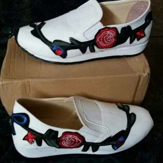 Slip on gucci flower