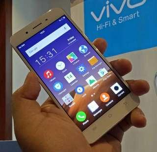 VIVO Y55 Smartphone w/ pocket wifi