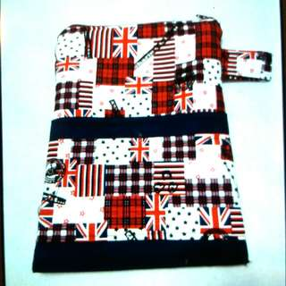 London Flag Book Pouch (Available )