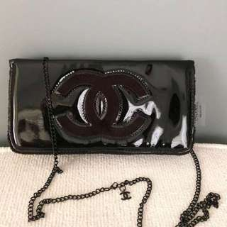 Chanel glossy sling bag