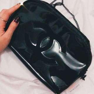 Chanel vip slingbag