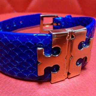 Authentic Tory Burch Wide T-Hinge Gold logo Phyton Skin Blue Leather Bracelet