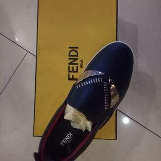 Jual cepat sepatu Fendi Di jamin Asli !!!