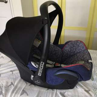Maxi Cosi Cabriofix car seat for baby