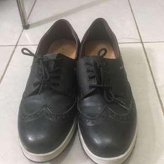 sepatu lapucci
