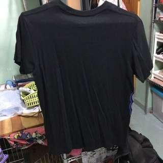 Uniqlo x kaws t shirt