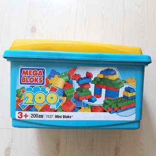 Brand New Megabloks Building Blocks (200 Pieces)
