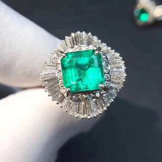 2.05ct祖母綠鑽石戒指 Emerald ring with diamonds