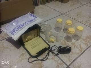 Medela breast pump(Pump in Style Advance)
