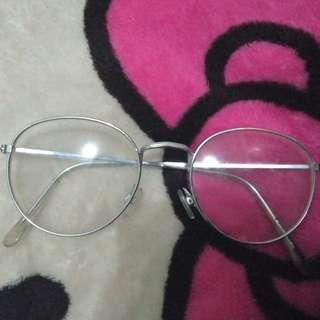 Kacamata stainlees