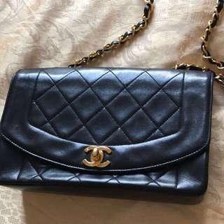 Chanel Diana bag 一次過比相你地睇