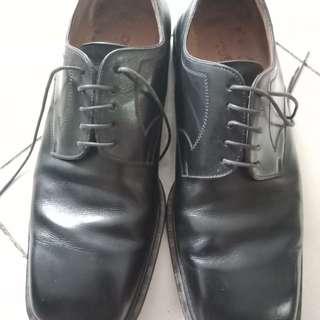 Sepatu pantofel derby Louis Vuitton Men size 39