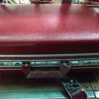 台灣製造-35年的行李箱