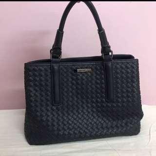 MIZZUE Navy Handbag