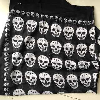 Skull scarf