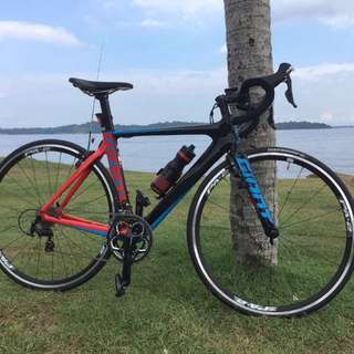 Giant propel advanced full carbon bike, shimano 105 (just bought 4 months back)
