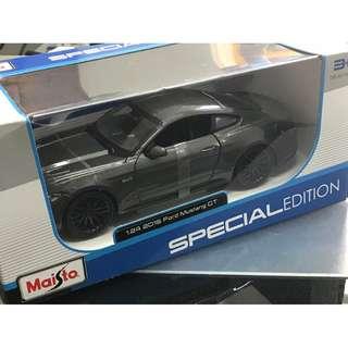 FORD MUSTANG GT 1:24 Maisto 模型車
