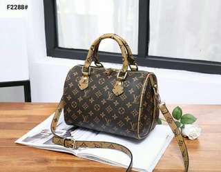 Tas  Wanita  Louis Vuitton Speedy Bandouliere Kode : LV-F2288