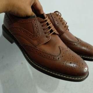 Sepatu wingtip brogue size 42 27cm