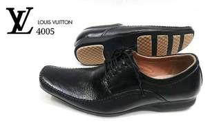 Sepatu kulit luis Vuitton