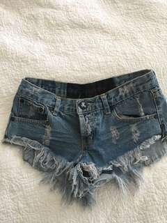 One Teaspoon Bandit Shorts size 22