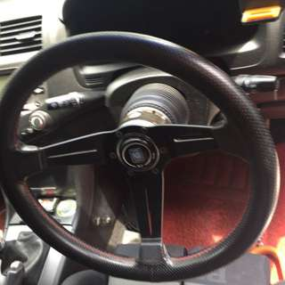 Nardi steering wheel with quick release