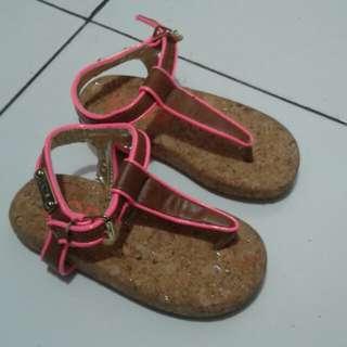 Sepatu-Sendal