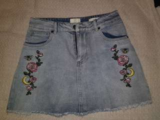 Womens vintage short mini bodycon denim jean skirt distressed flower embroidery high waisted