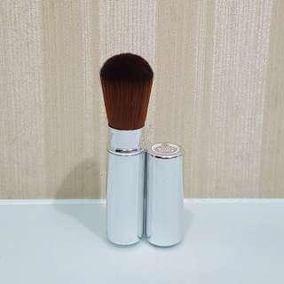 The Body Shop Brush Blusher