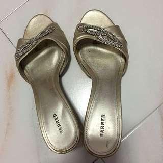 Sarrer shoes slip on heels size 39
