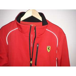 FERRARI PADDOCK JACKET- NEW OFFICIAL.  ( FERRARI FORMULA 1 CLUB )