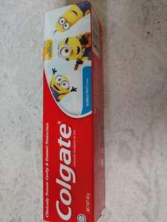 Colgate 40g Minions 兒童牙膏