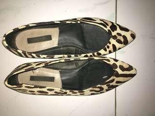 Zara Basic Leopard Flat shoes. Ori