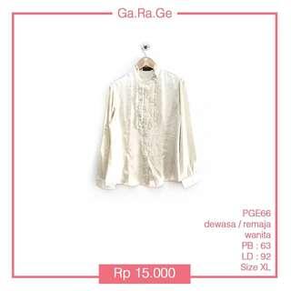 THE EXECUTIVE SHIRT  Kode barang : PGE 66 Size : Fit to  XL Panjang Baju ( PB ) : 63 cm  Lingkar Dada ( LD ) : 92 cm Bahan nyaman bagus Condition 90% Harga = PINK (blm ongkir)