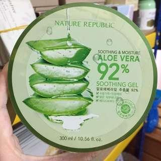 Nature Republic soothing gel 92% aloevera