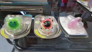 Baby pacifier -Tommee Yippee & Chica