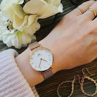 Daniel Wellington 32mm petite rose gold white 00100163DW