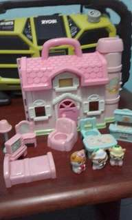 Hamtaro doll house