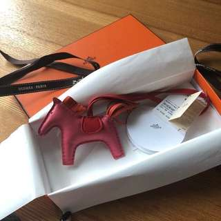 Hermes rodeo pm size