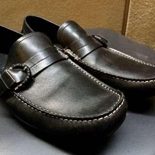 Authentic Salvatore Ferragamo Men's black leather loafers