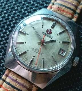 Tenri古董錶,60年代,原裝面無番寫,紅字日曆,17石上弦機芯,已抹油,行走精神,塑膠上蓋,直徑35mm不連霸的,淨錶港幣$750,有意請pm
