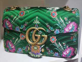 💪1ST MAY LABOUR ♥DAY TIME SALE!! 🙆100% AUTHETNIC EMERALD GREEN LIMITED EDITION GUCCI 2-WAY, SLING/ SHOULDER-CARRY BAG!! BOUGHT 6MTHS AGO & CARRY ONCE ONLY DURING CNY FOR FEW HOURS!! SELLING BECAUSE CANT BEAR TO USE,  AND I JUST KEEP IN DUSTBAG!!