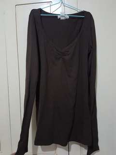 V-Neck long sleeve, deep brown