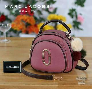 Best Product By Marc Jacobs Gigi Hadid 6588#  Material PU Leather. Size 21x19x9cm.  Quality Semipremium.  Weight 500 gram. 1.pcs 250.000