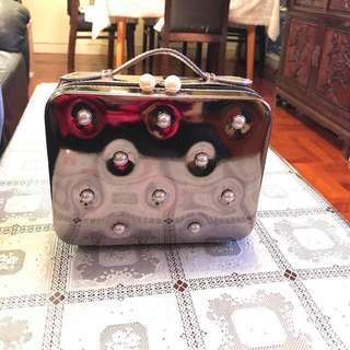 Suisse programme珍珠拉鏈化妝袋晚裝袋