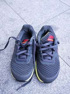 Nike Sports Shoes for boys size  US11m